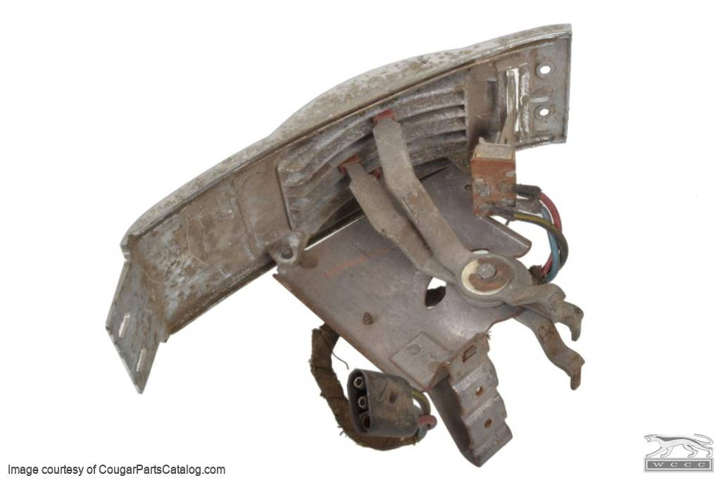 Heater Control Assembly - Non A/C - Core Grade - Used ~ 1968 Mercury Cougar - 11-0025