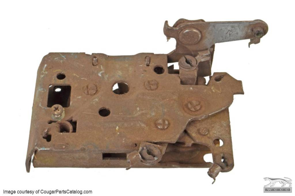 Door Latch Mechanism - Right Hand / Passenger Side - Used ~ 1971 - 1973 Mercury Cougar / 1971 - 1973 Ford Mustang - 11-0438