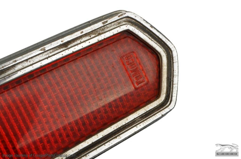 Side Marker - Rear Reflector Assembly - Used ~ 1968 Mercury Cougar / 1968 Ford Cyclone / 1968 Mercury Montego - 12167