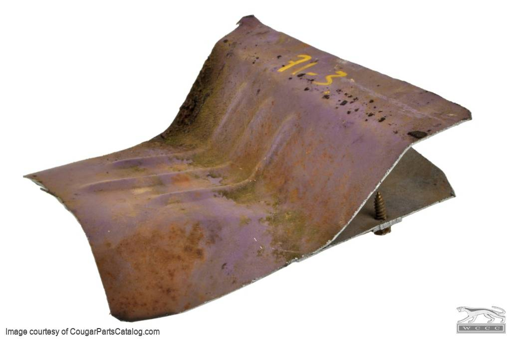 Body Plate - Rear Axle Center - Used ~ 1971 - 1973 Mercury Cougar - 13369