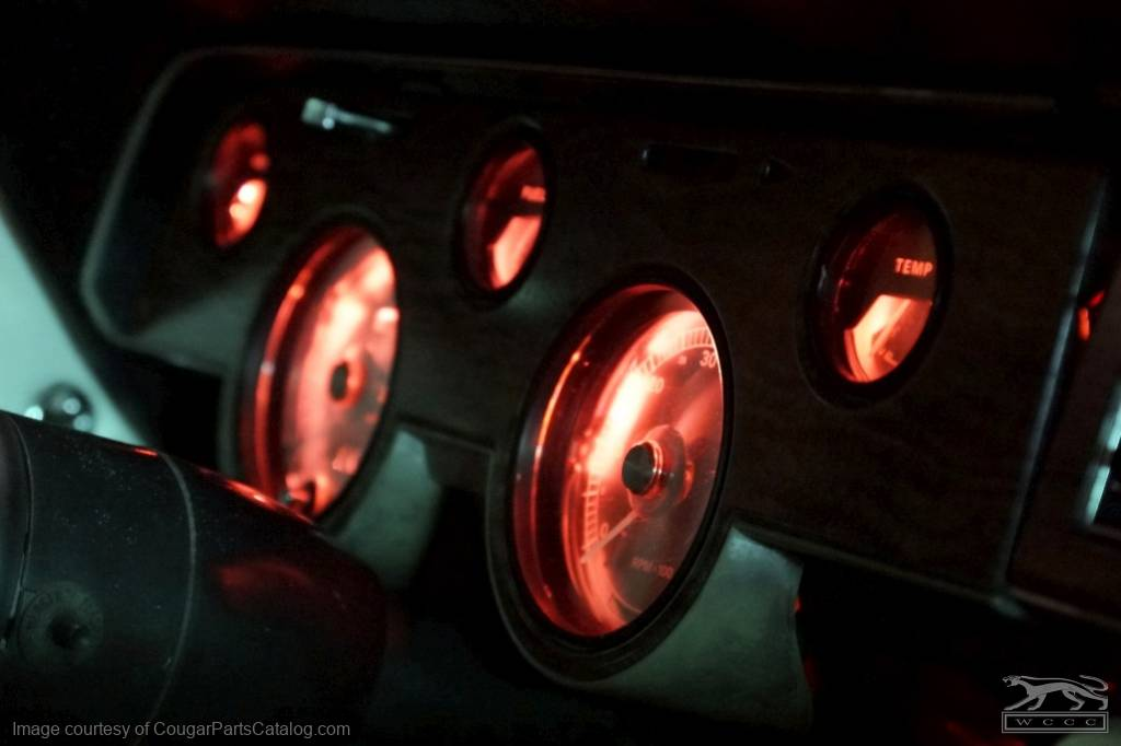 Here's what the red filters look like with LED bulbs, in a 68 XR7.