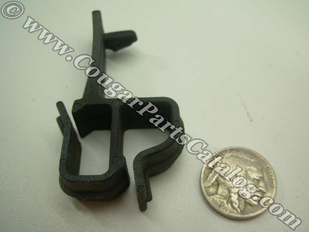 Clip - Wire Loom - Lower Radiator Core Support - Used ~ 1969 - 1970 ...