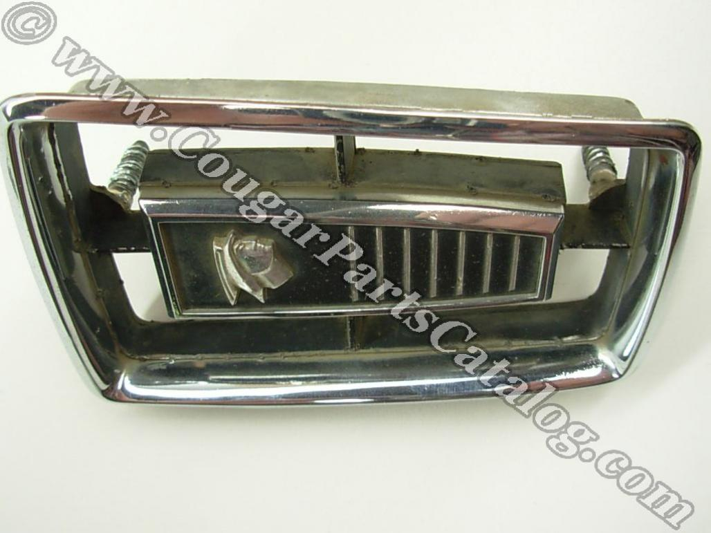Grille Center - Medallion - Grade B - Used ~ 1967 - 1968 Mercury Cougar - 19013