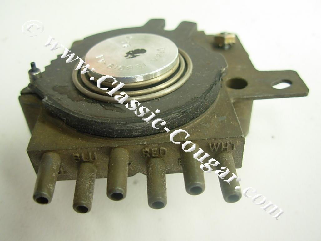 Switch - A/C Vacuum Switch - NOS ~ 1969 - 1972 Mercury Cougar / 1969 - 1972 Ford Mustang - 24828
